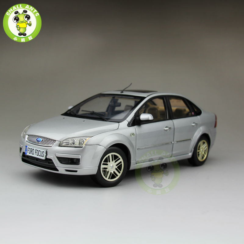 1:18 Ford Focus Sedan Diecast car model for collection gifts hobby Silver 2013 1 18 ford mondeo fusion diecast model car alloy model car hobby stores cars for sale aluminum die casting products