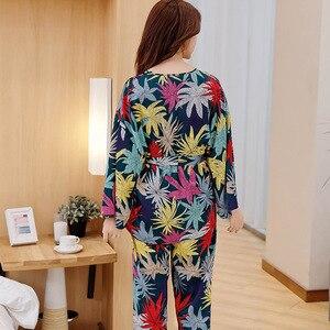 Image 5 - Wiosenne damskie zestawy jedwabnych piżam ze spodniami satynowy kwiat wydruku piżama kobiece seksowne Spaghetti pasek Pijama 3 sztuki odzież domowa