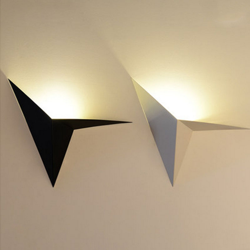 Modern minimalist LED iron wall lamp creative bedroom living room balcony staircase aisle lamps bedside wall lamp Corridor light only minimalist modern creative bedside lamp led wall lamp mirror front lamp aisle lighting fixtures wall lights led