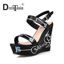 2016 full grain leather printing women wedges sandals elegant ankle strap open toe platform lady party shoes black/white