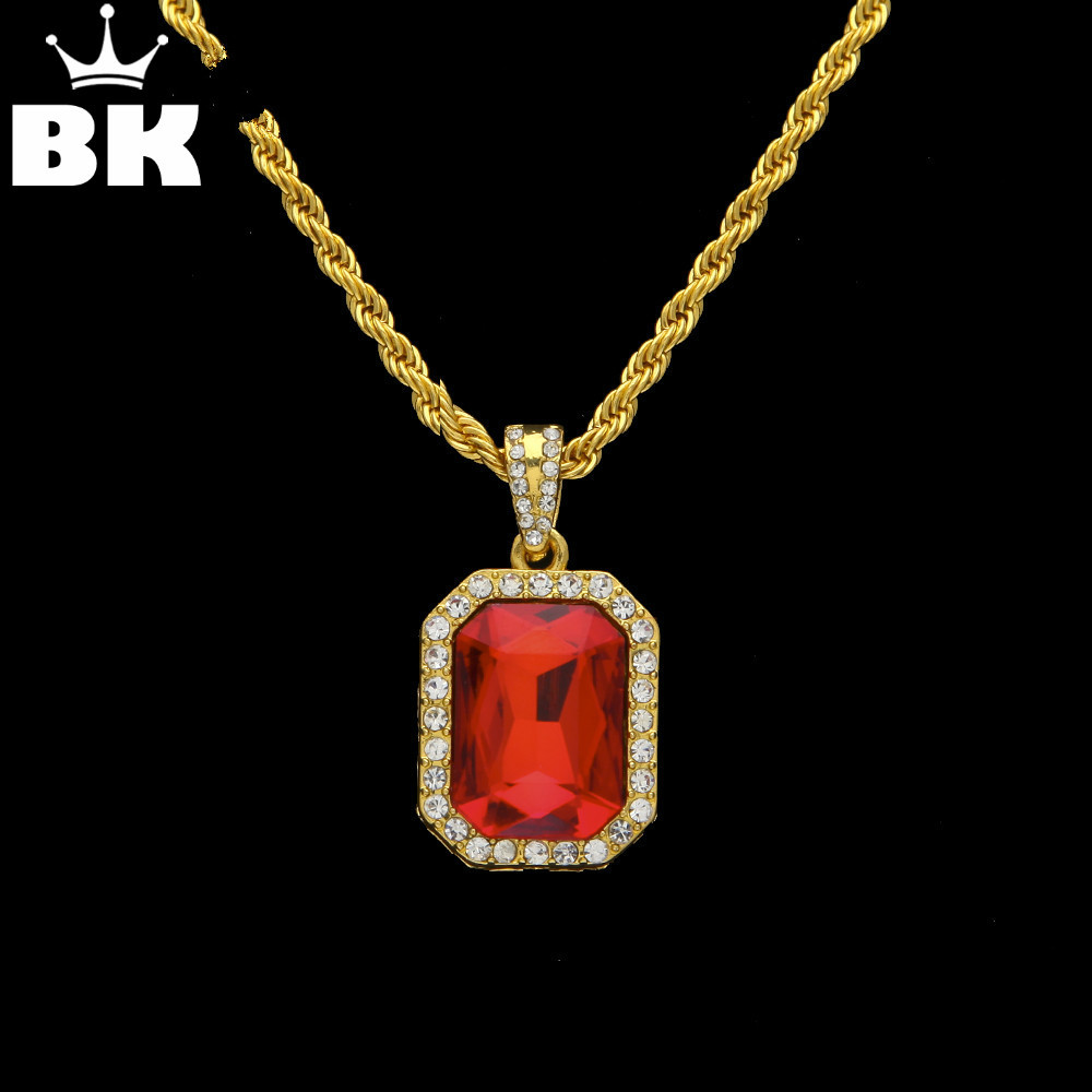 Hip Hop Gold Color Iced Out Drahokamu náměstí Přívěsek Velikost 1,8 * 2,3 cm Červená Modrá Zelená Černá Barva S 3mm * 24 palcovým lanovým řetězem
