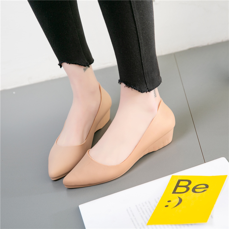 HTB1f3b.MwHqK1RjSZJnq6zNLpXa2 Maggie's Walker Beach Shoes Women Jelly Sandals Summer Pointed-toe Slip-on Resin Wedges Sandals Rain Shoes Size 36~40