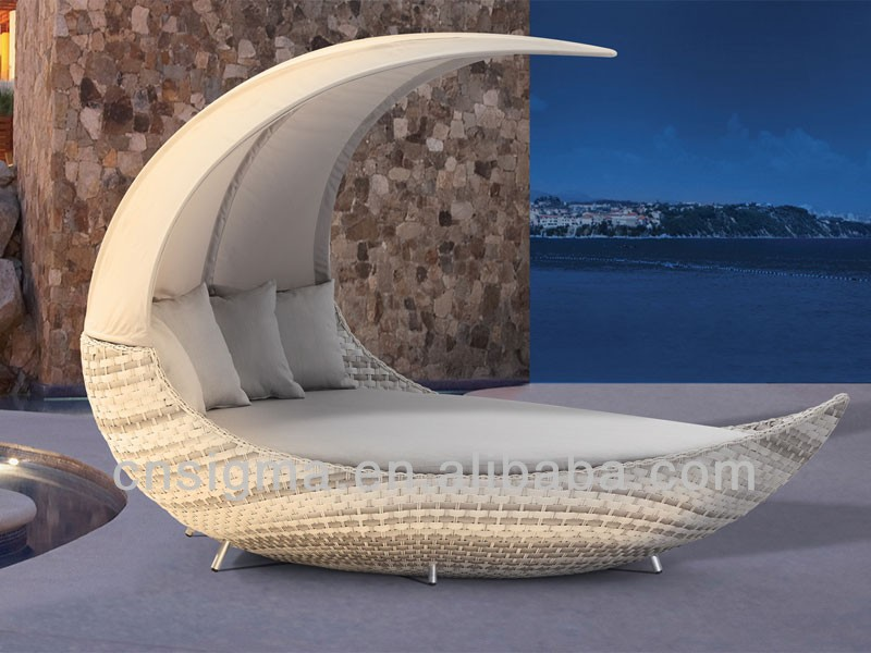 2017 New Designs Moon Shape Outdoor Rattan Furniture Daybeds With Canopy  Wicker Sofa Bed