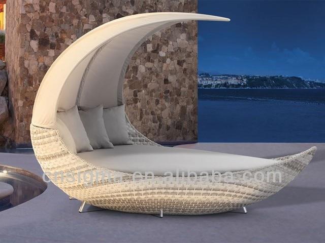 2017 nuevos diseños Luna forma ratán al aire libre Muebles tumbonas ...