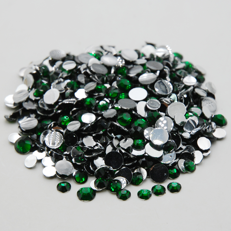 Hot Sale Emerald Color Nail Rhinestones Mixed Sizes Non Hotfix Crystal  Flatback For Nail Art Decoration Glitter Beads-in Rhinestones from Home    Garden on ... 16a9e0364874