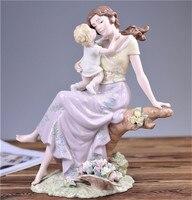 Ручная роспись фарфора элегантный мама держать ребенка Скульптура фарфоровая статуэтка украшения дома