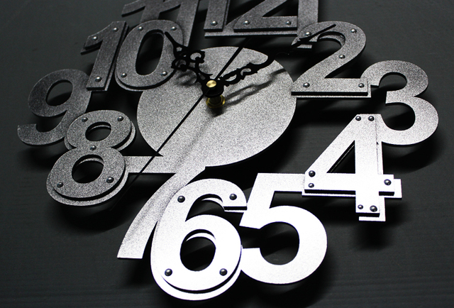 *Fashion Creative 3D Stereoscopic Digital Wall Clock Mute Imitation Metal Rivets Mute Wall Clock Living Room Decoration