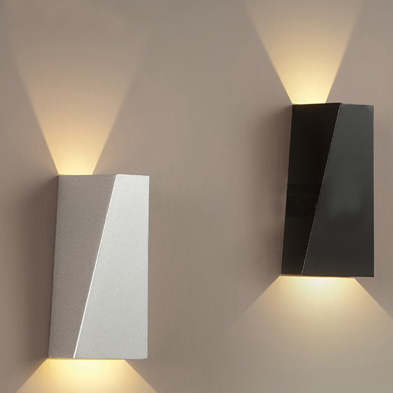 Простые современные кованого железа настенный светильник светодиодный светильник стены гостиная спальня ночники творческие настенные св...