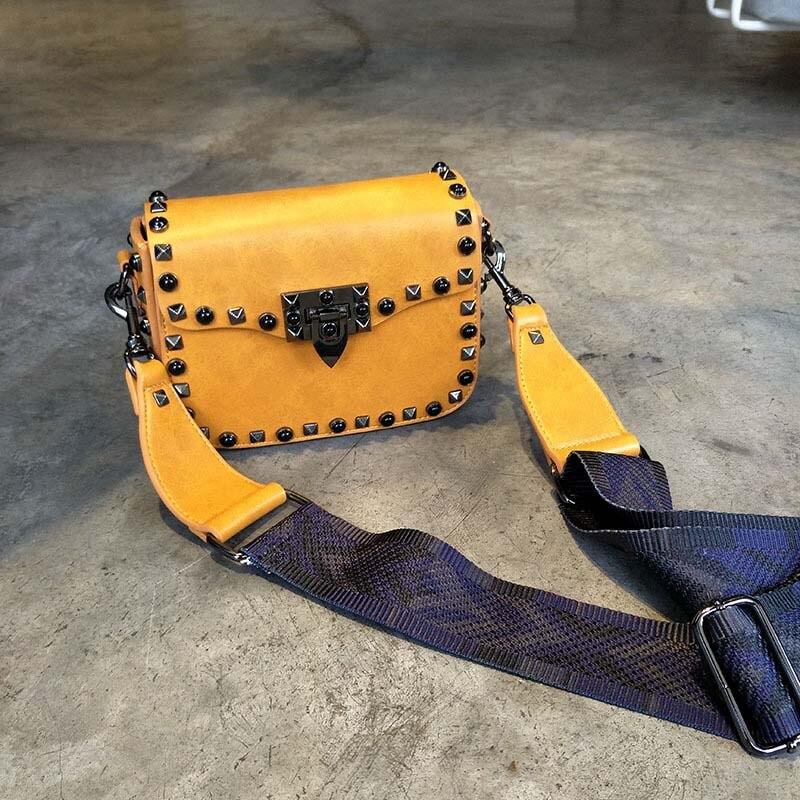 ФОТО 2017 vintage oil wax leather shoulder bags women small messenger bags rocking stud ladies design handbag female crossbody bag