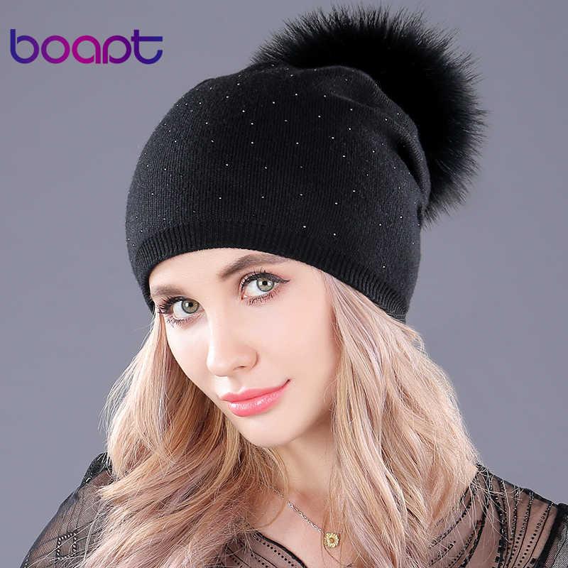 [Boapt] ผ้าขนสัตว์ชนิดหนึ่งถักหนาหมวกฤดูหนาวที่อบอุ่นธรรมชาติแรคคูนขนหมวก skullies แคชชวลหมวก pompon หมวกสำหรับผู้หญิง