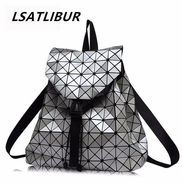 cada0c887bce3 Rucksäcke 2019 Mode Dreieck Diamant gitter Tasche Neue Casual Laser Cube  Rucksack Trends Klassische Damen Rucksäcke