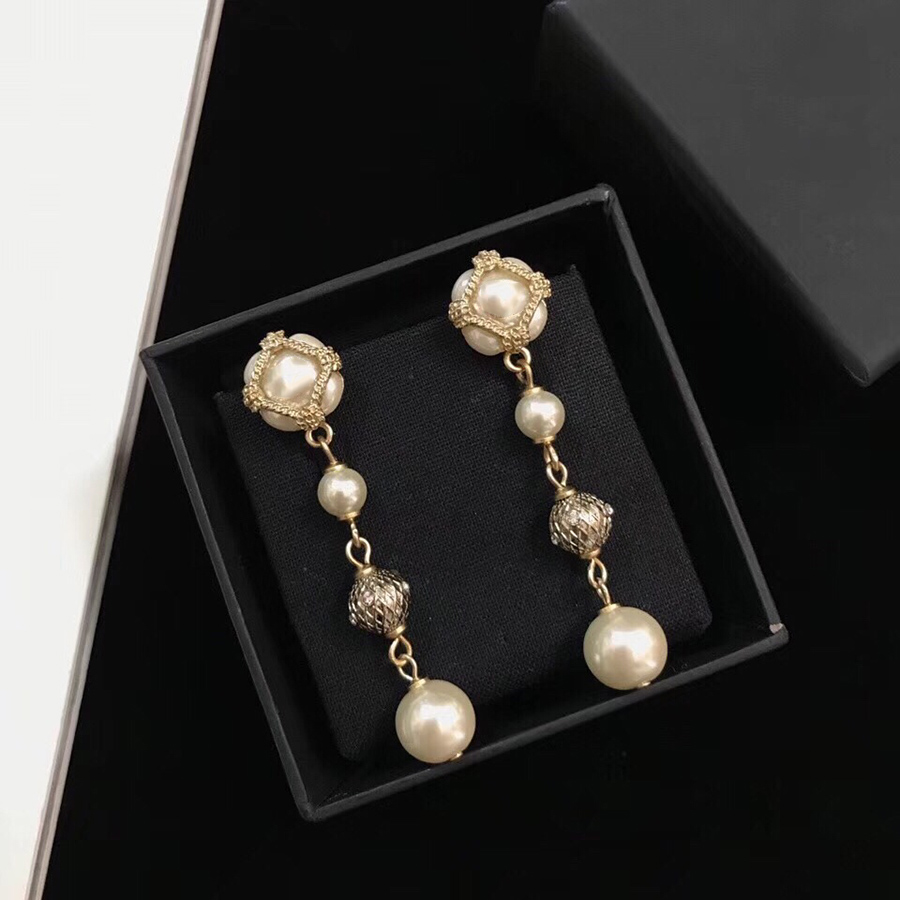 2019 Luxury Brand Fashion Vintage Tassel Pearl Earrings Long Dangle CC Jewelry For Women Party Wedding Daily Quality Bijoux