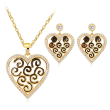 Vintage Golden Jewelry Set Enamel Hollow Heart Pendant Necklace Drop Earring High Quality Female Accessories