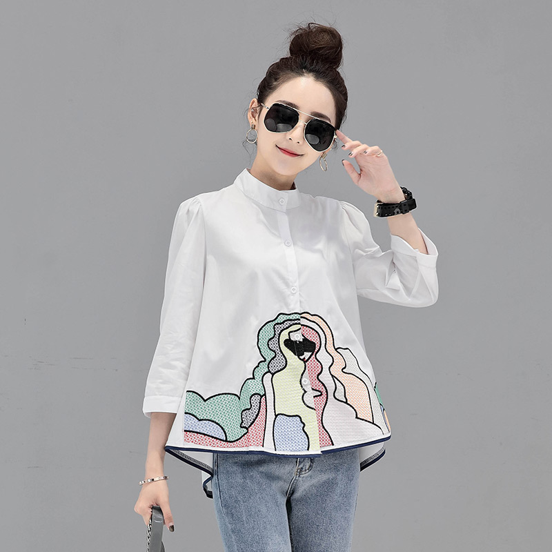 2019 Summer New Women Blouse And White Shirts Embroidery Loose Half Sleeved Lady Elegant Outwear Coat Tops
