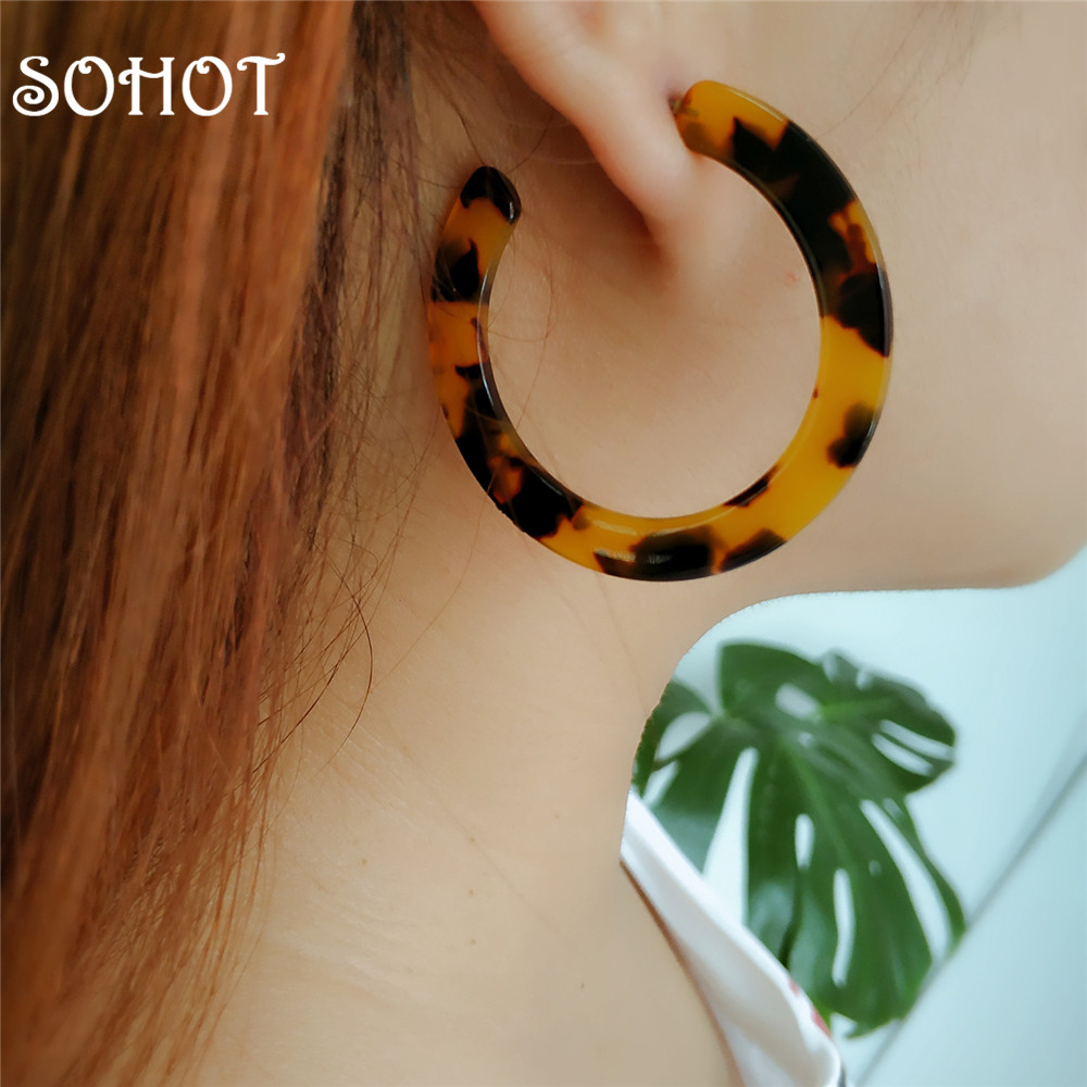 SOHOT Noble Glamour Cute Acrylic Hoop Earrings Classic Leopard Colorful  Acetic Acid  Statement Women Summer Party Major Brincos