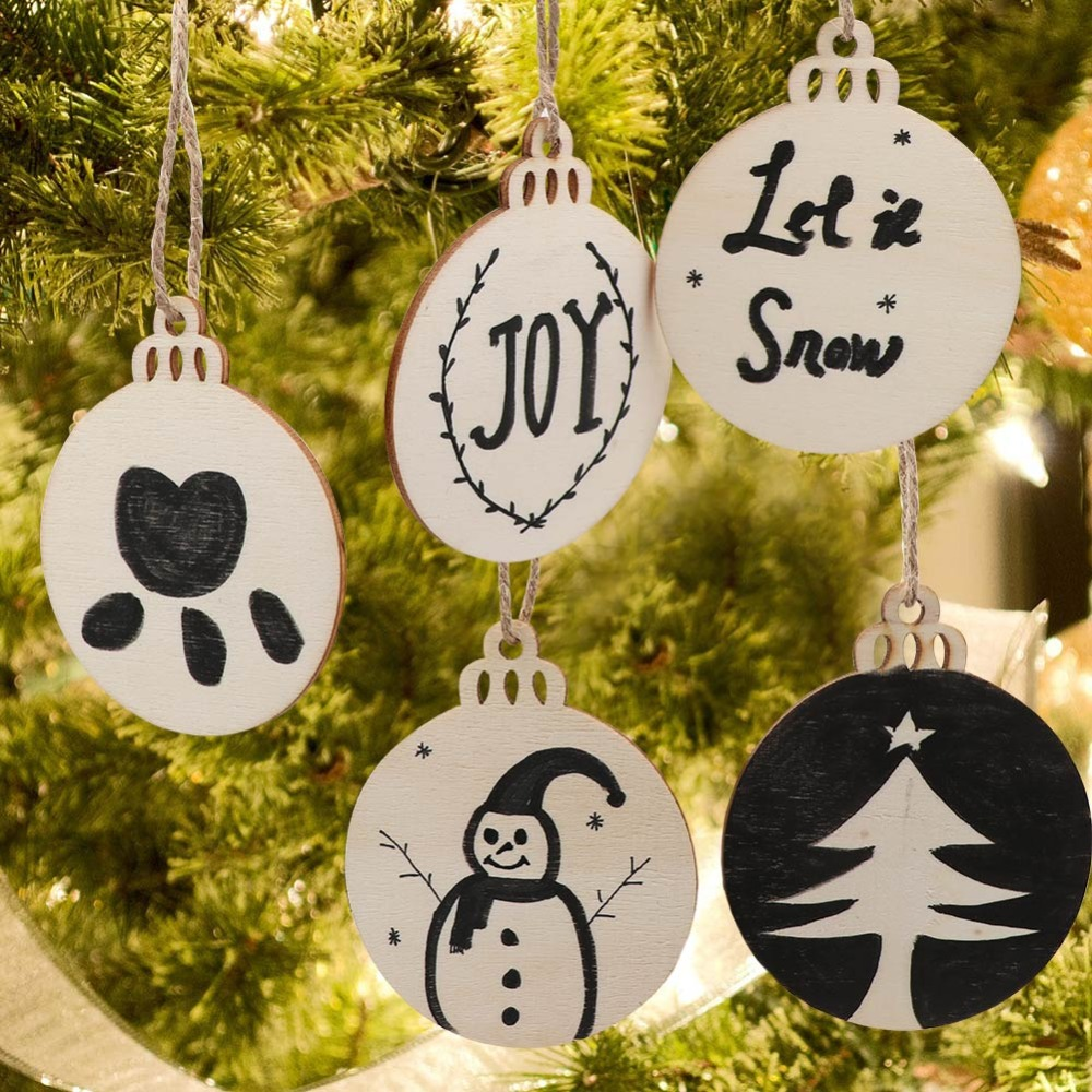 Diy Christmas Ornaments As Gifts.Us 2 86 33 Off Ourwarm 10pcs New Year 2019 Diy Wooden Round Bell Christmas Ornaments Diy Christmas Crafts Gift Tags Christmas Tree Decorations In