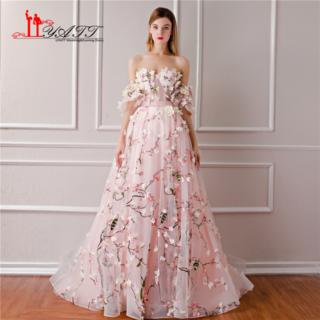 ad80184f7a0 LIYATT 2018 Pink 3D Lace Princess Embroidery Flatter Sleeves Sweetheart  Train Formal Long Evening Prom Dress Elegant Party Gown