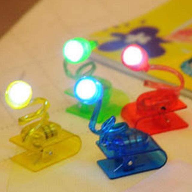 Cabeça de Luz ajustável Livro de Leitura Luz Brilhante LEVOU Luzes de Leitura Lâmpada Cor Aleatória Mini LED Clip on Light Reading