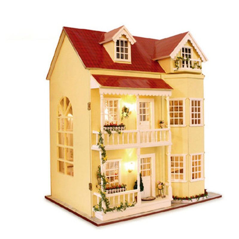 Cute Families House Fairy Tale Home Large Villa House for Dolls Wooden Toys Educational Toys Kids Gifts Juguetes Brinquedos