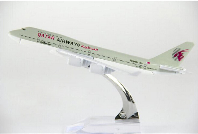 Aliexpress.com : Buy size 1:400 plane model Boeing 747 Qatar ...