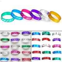 Venta al por mayor 50 piezas anillos de banda joyería de moda para hombres y mujeres anillo de aluminio mezclado tamaño 17-19mm la nave de la gota