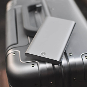 Image 5 - חדש Youpin MIIIW כרטיס מחזיק נירוסטה כסף אלומיניום כרטיס אשראי מקרה נשים גברים מזהה כרטיס תיבת מקרה כיס ארנק d5
