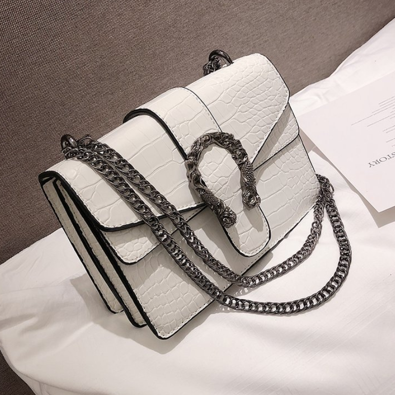 luxury handbags white bags for women designer crossbody red bags vintage leather metal buckle chains flap beach wedding clutchluxury handbags white bags for women designer crossbody red bags vintage leather metal buckle chains flap beach wedding clutch
