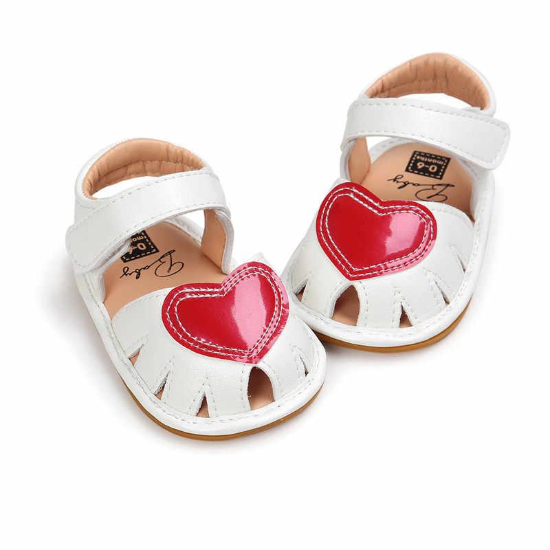 קיץ סגנון חדש מרובה צבע תינוקת נעלי לב דפוס פסים וו & לולאת יילוד תינוקת סנדלים סיטונאי
