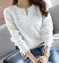 Fast Shipping 2018 Autumn New Arrival Fashion Hot Sale V Collar Pure Color Woman Lace Shirt White