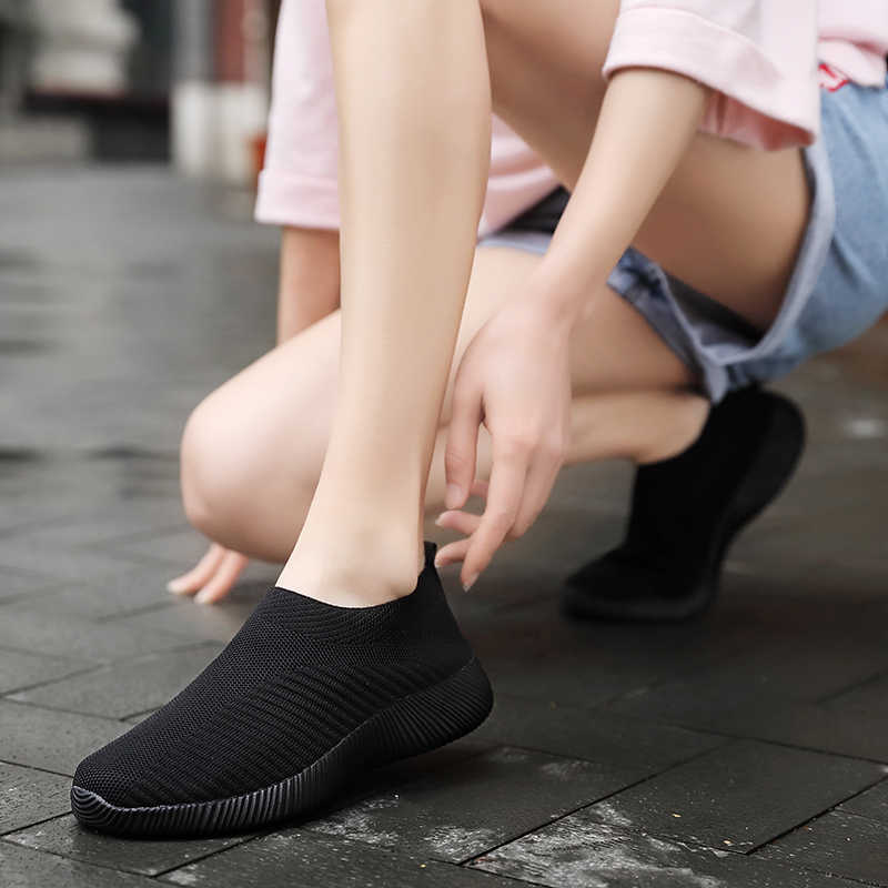 Moipheng 2020 ผู้หญิงรองเท้าผ้าใบ Vulcanized รองเท้ารองเท้าผ้าใบถุงเท้าผู้หญิงฤดูร้อนแบนรองเท้าผู้หญิง PLUS ขนาด Loafers เดินแบน