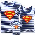 2016 новое семейство взгляд суперзвезда супермен полоса футболки лето семья соответствующие одежды мама и папа и сын дочь наряды