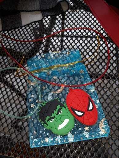 1 chiếc Siêu Nhân Batman Hoạt Hình Marvel Avenger Nhân Vật Hành Động Collares PVC Charm 51cm Vòng Cổ Choker Kid Quà Giáng Làm Quà bộ trang sức