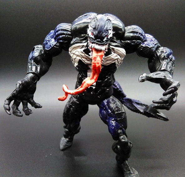 SAINTGI The Amazing Spider-Man 2 Anti-Toxin Scorpion Venom Marvel Avengers Movable Body Venom PVC 17cm Collectible Action Figure