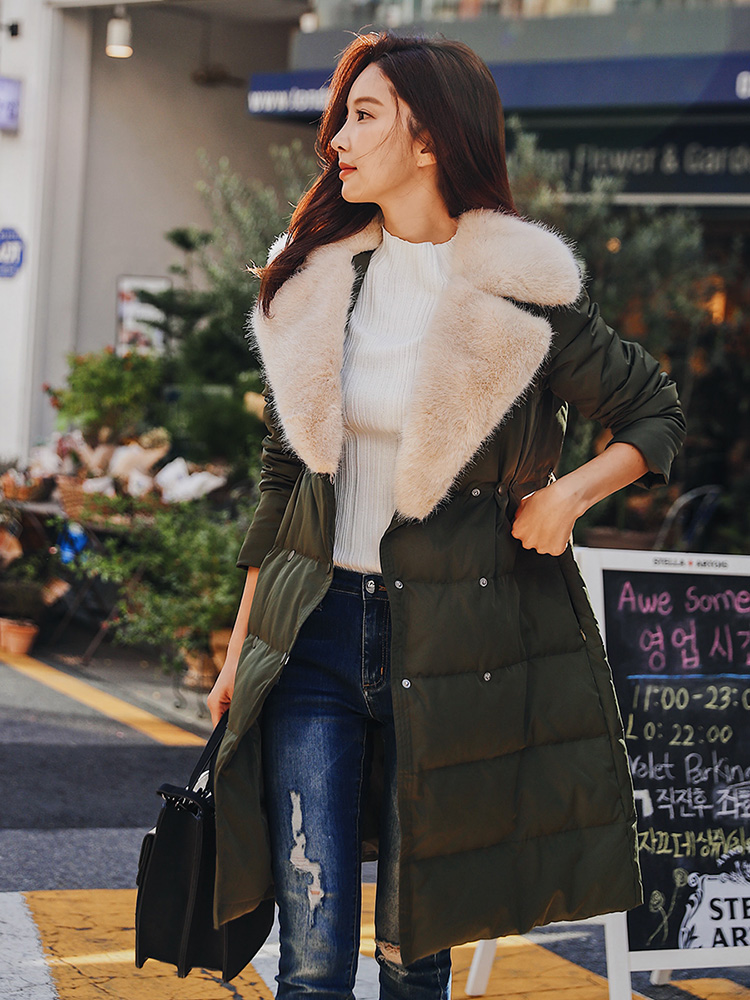 Dabuwawa Women Winter Warm Turn-  down   Collar Fur Long   Coat   White Duck   Down   Green/Pink Thick   Down   Outerwear Streetwear D18DDW007