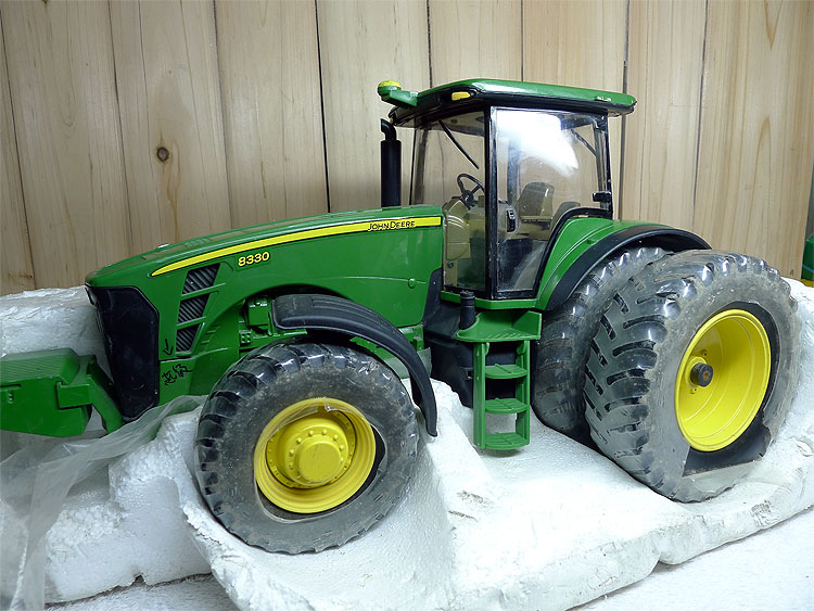 KNL HOBBY J Deere 8330 tractor alloy six large agricultural vehicle safety model only ERTL 1