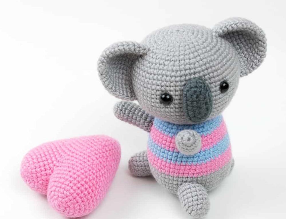 Timmy the Dog amigurumi pattern   Bonecas de crochê, Urso de ...   766x1000