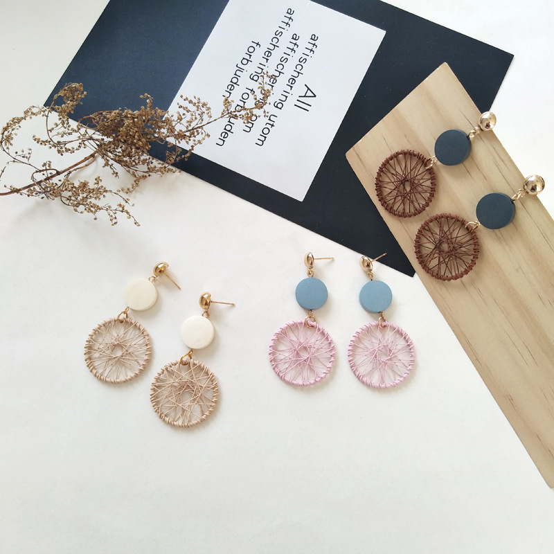 Stylish and elegant color matching circular braided net earrings simple wooden earrings female geometric circular earrings