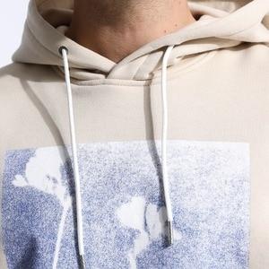Image 3 - SIMWOOD 2020 ฤดูใบไม้ผลิฤดูหนาวผู้ชายใหม่ Hoodie พิมพ์แฟชั่น Hooded Pullovers PLUS ขนาดเสื้อลำลองแบรนด์เสื้อผ้า 180483