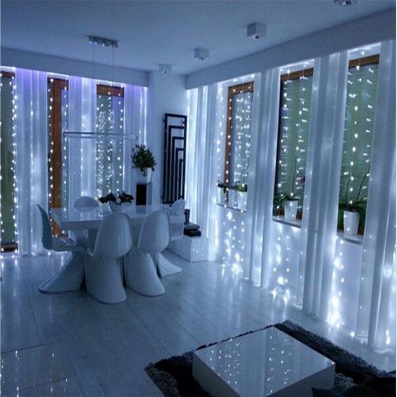 2M x 2M 180 LED Hem Utomhus Semester Jul Dekorativa Bröllop Jul String Fairy Gardin Garlands Strip Party Lights