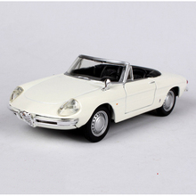 1/32 Scale Alfa Romeo spider Car Models Yellow and Red Toys For Children Gifts Collections Displays with Box
