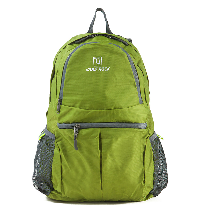 The Wolf rock super light skin bag and the male and female folding backpack and the portable, portable waterproof new lone wolf and cub v 7