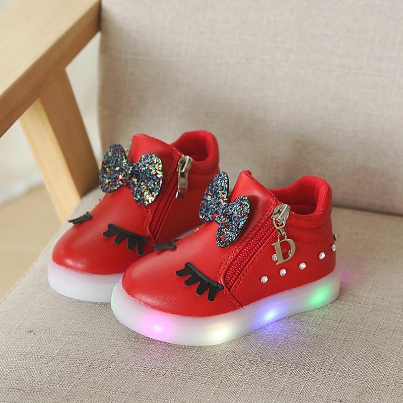 7f1c7776b321b Européen new lumineux LED bottes haute qualité bébé filles chaussures  Mignon haute qualité Belle mode enfants sneakers enfants chaussures Fraîches