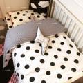 3 unids/set negro blanco Polka Dot sistema Del lecho Del Bebé del pesebre del bebé lindo estilo dulce corazón zorro a cuadros pato diseño el mejor regalo del bebé recién nacido