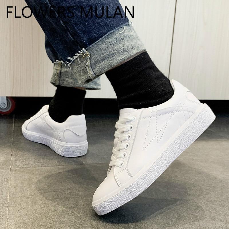 f83a9f6c0904d Femme Supérieure 2019 forme Designers Coudre Noir La blanc Jusqu'à  Chaussures À Sneakers Dentelle Plate En De Blanc Chic Marque Mujer Zapatos  Cuir 4xdSq