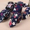 18 Patrones de Moda Para Hombre Floral Corbata Lazos Delgados 5.5 cm Algodón para hombres 2017 Nuevo Diseño Para Hombre Flaco Corbata Negro Azul Marino Lazos Estrechos