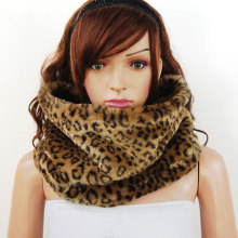 Winter Women's Faux Fur Snood Neck Warmer Ring Scarf Leopard Cowl Shawl Scarves Wrap Woman Echarpe Femme Chrismas Gifts Ladies