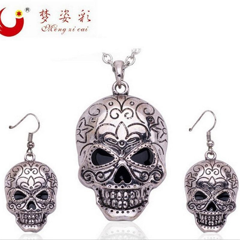 Ugly Skull Jewelry Set...