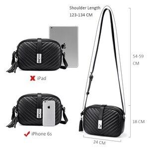 Image 4 - Mais real feminina bolsa de ombro sacos para as mulheres 2020 listrado aleta crossbody sacos feminino pequeno preto quadrado saco de couro do plutônio com borla