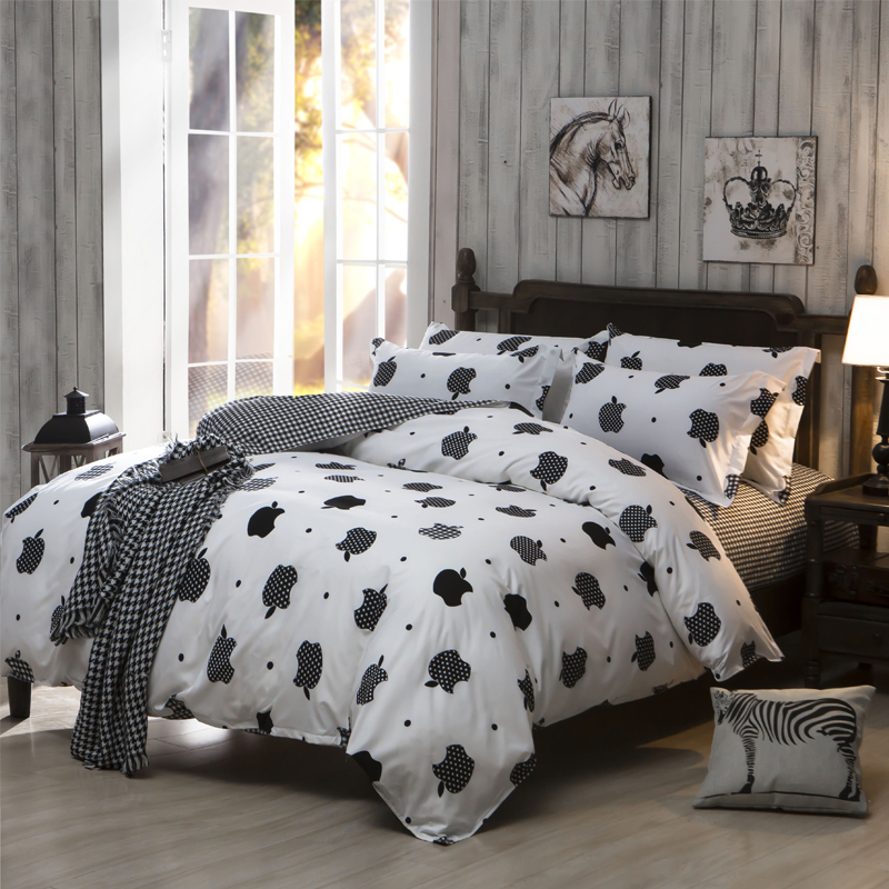 2015 new black white queen size comforter Bedding sets apple Bedclothes Bed  linen Bedcover bedsheet Bedspread Home Textiles-in Bedding Sets from Home  ...