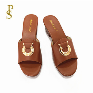 Image 2 - Scarpe con bottoni in metallo pistoni di estate delle Donne